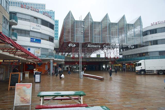 2. Almere Centrum