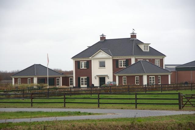 25. Villa