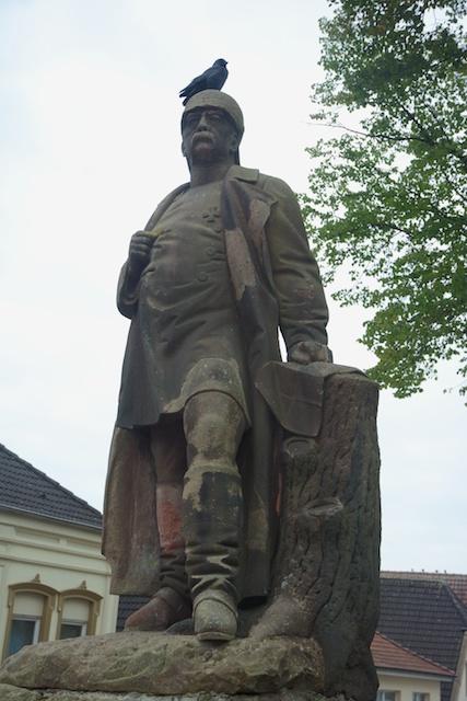 4. Denkmal
